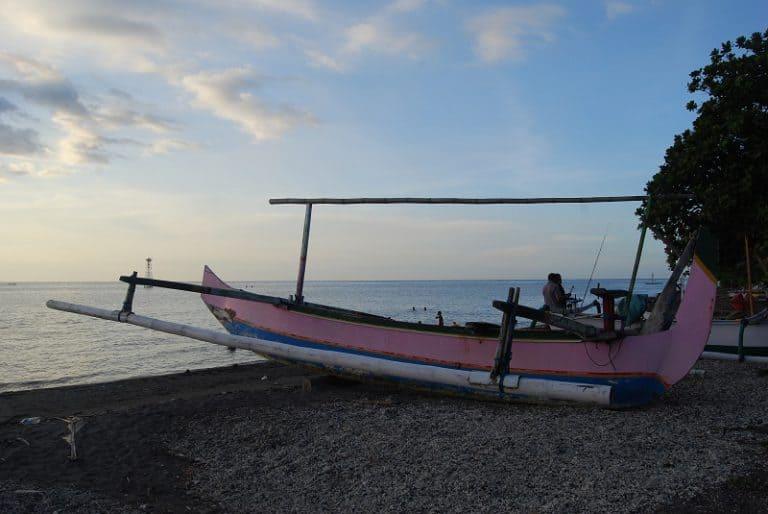 Amed beach bateau à balencier