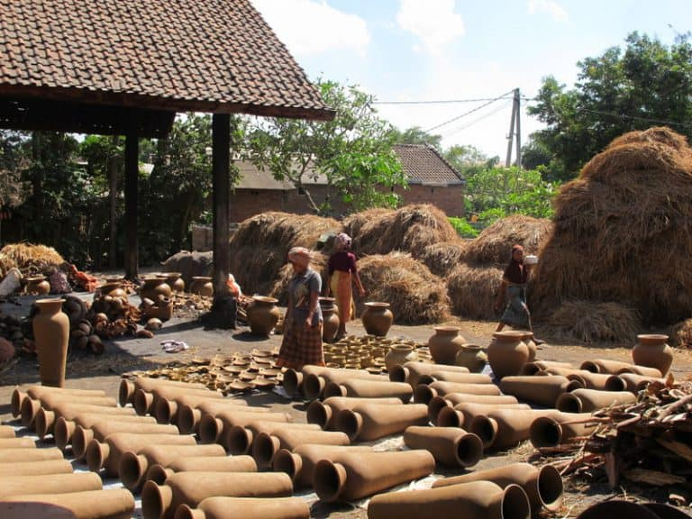 artisanats traditionnels indonésie potiers