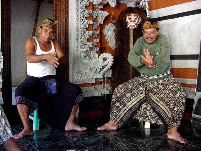 artiste bali indonesie pak nengah karsa creation artistique