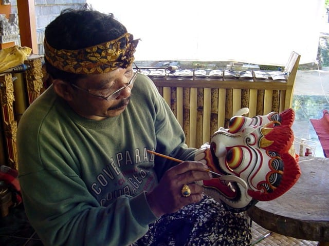 artiste bali indonesie pak nengah karsa creation decoration masque