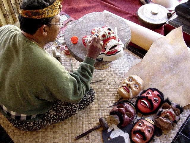 artiste bali indonesie pak nengah karsa creation peinture masques