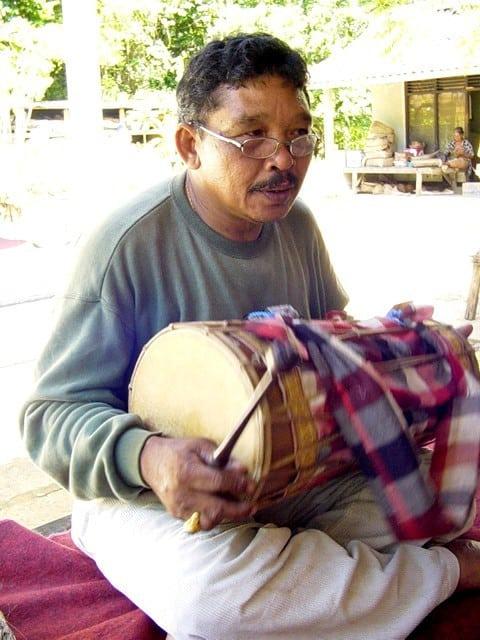artiste bali indonesie pak nengah karsa creation