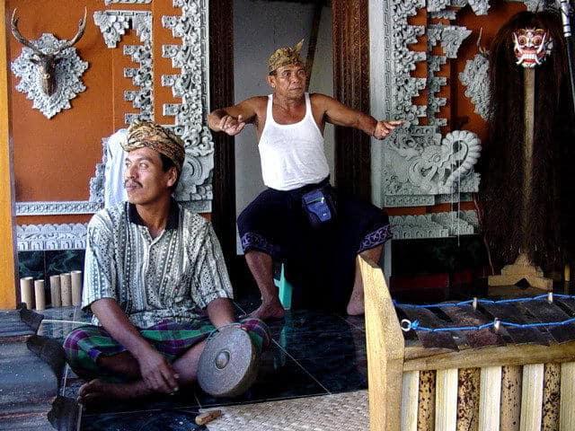 artiste bali indonesie pak nengah karsa vacances culturelles