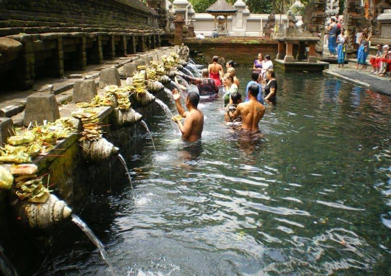 bains sacrés apaisement bali