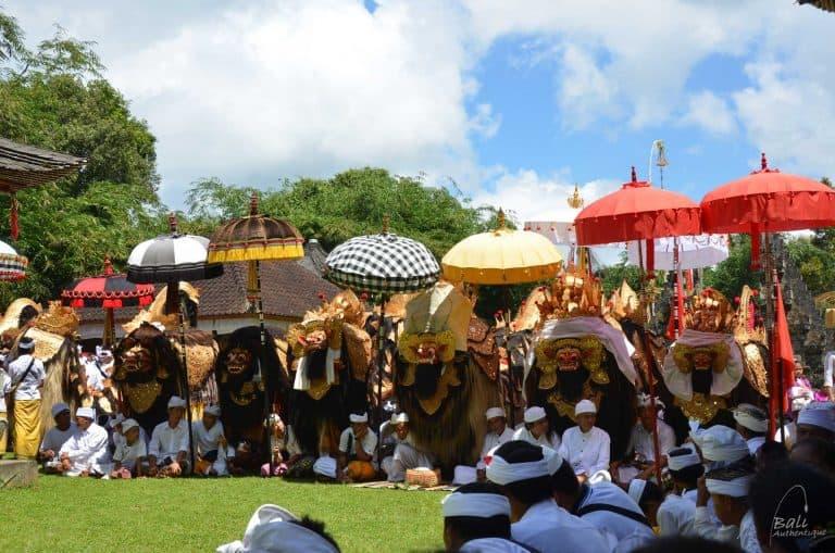 Bali temple religieux cérémonie de Barong
