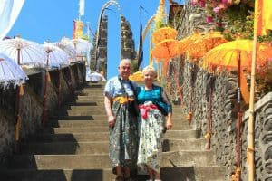 cérémonie balinaise tenue traditionnelle