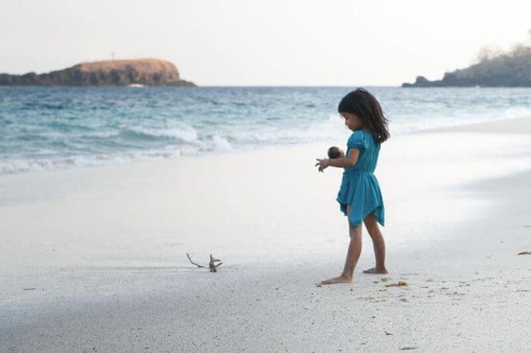 Bali enfant plage