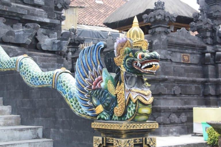 bali statue dragon escalier