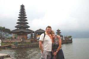 Bali temple Bratan lake Bali Authentique client Challe
