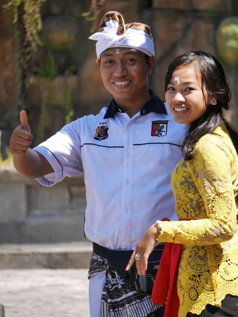 Bali testimonial client custom traditionnel