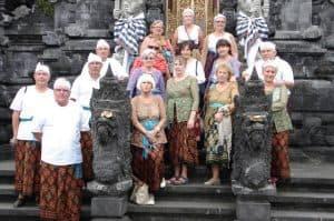 Bali tradition Temple clothes client Marie Thérèse Patrick Henriette Odile Guy Denis Reynald Nounou Danielle Claudine Janine Murielle Christiane Pierrette et Chris