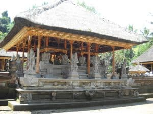 Bali traditionnel temple maison personnalisée