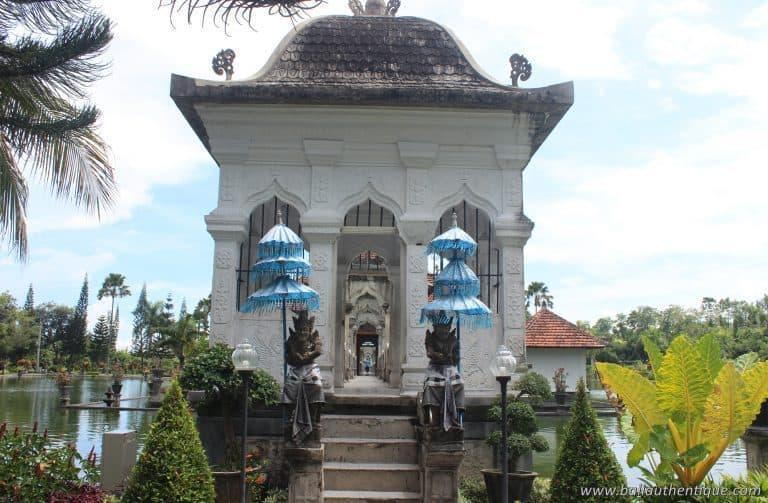 Bali ujung karangasem pont palais