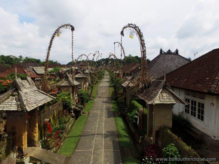 Bali village penjor tradisyonal