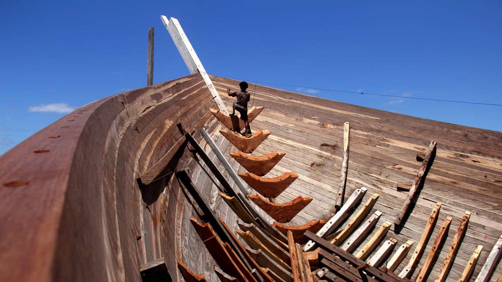 bateau construction Bira Sulawesi