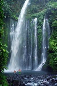 cascades naturelles intérieur des terres bali