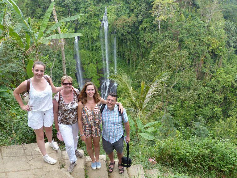 cascade bali paysage riche en découverte