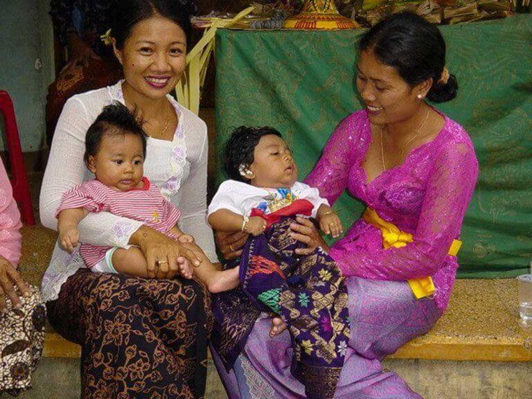 céremonie 3 mois enfants bali