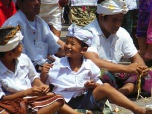 cérémonie balinaise rencontre peuple indonésien