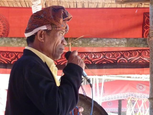 Sulawesi Toraja cérémonie funéraire homme