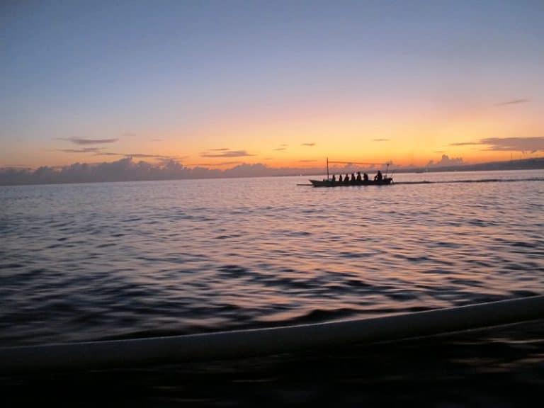 coucher de soleil indonésien coloré