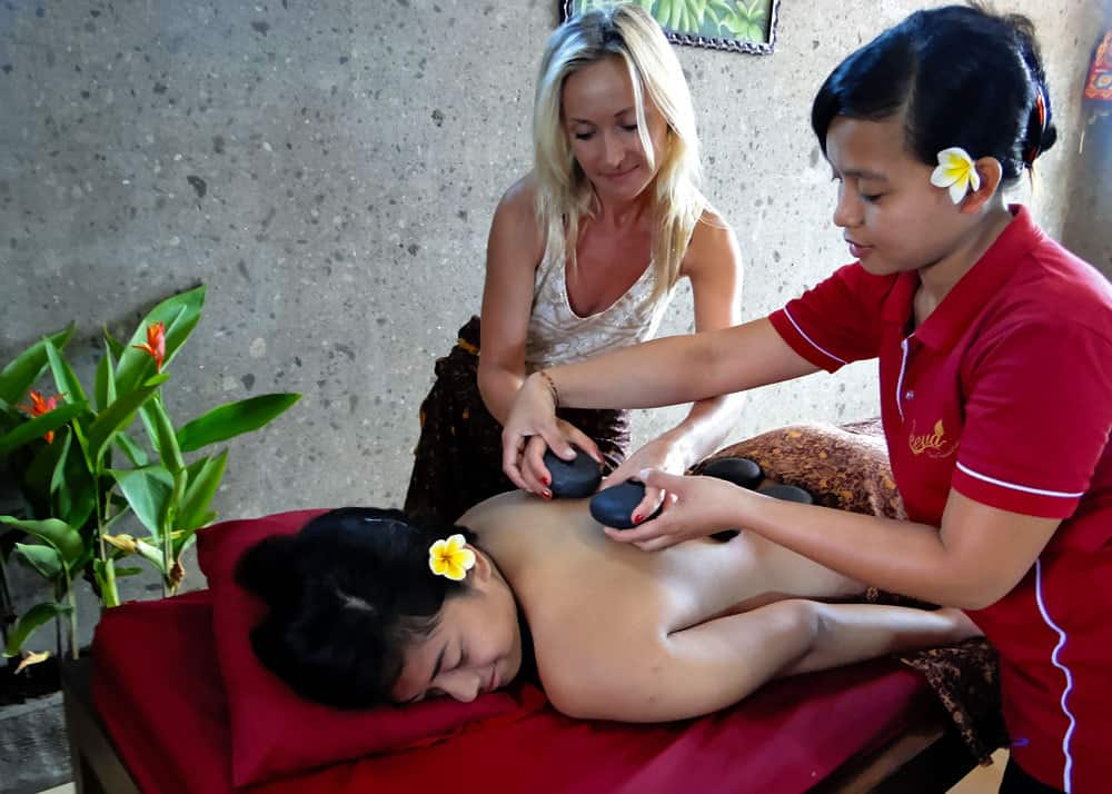 cours massage bali indonesie