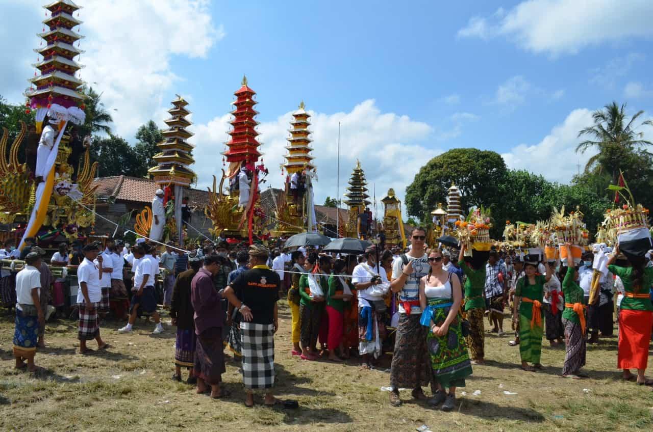 cérémonie crémation tradition bali