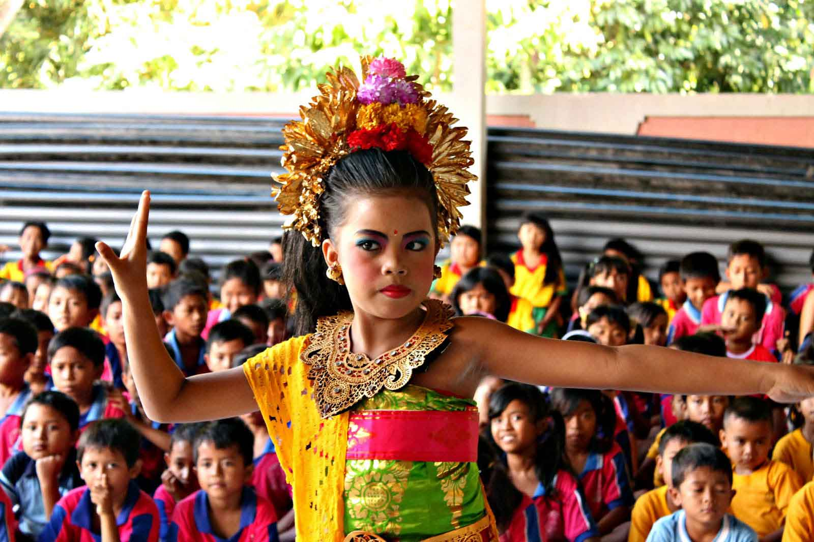 danse balinaise spectacle enfants indonesie panorama