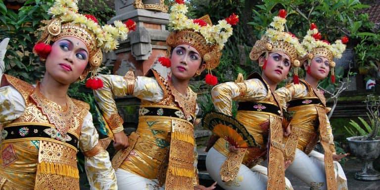 danse balinaise costumes balinais traditions panorama