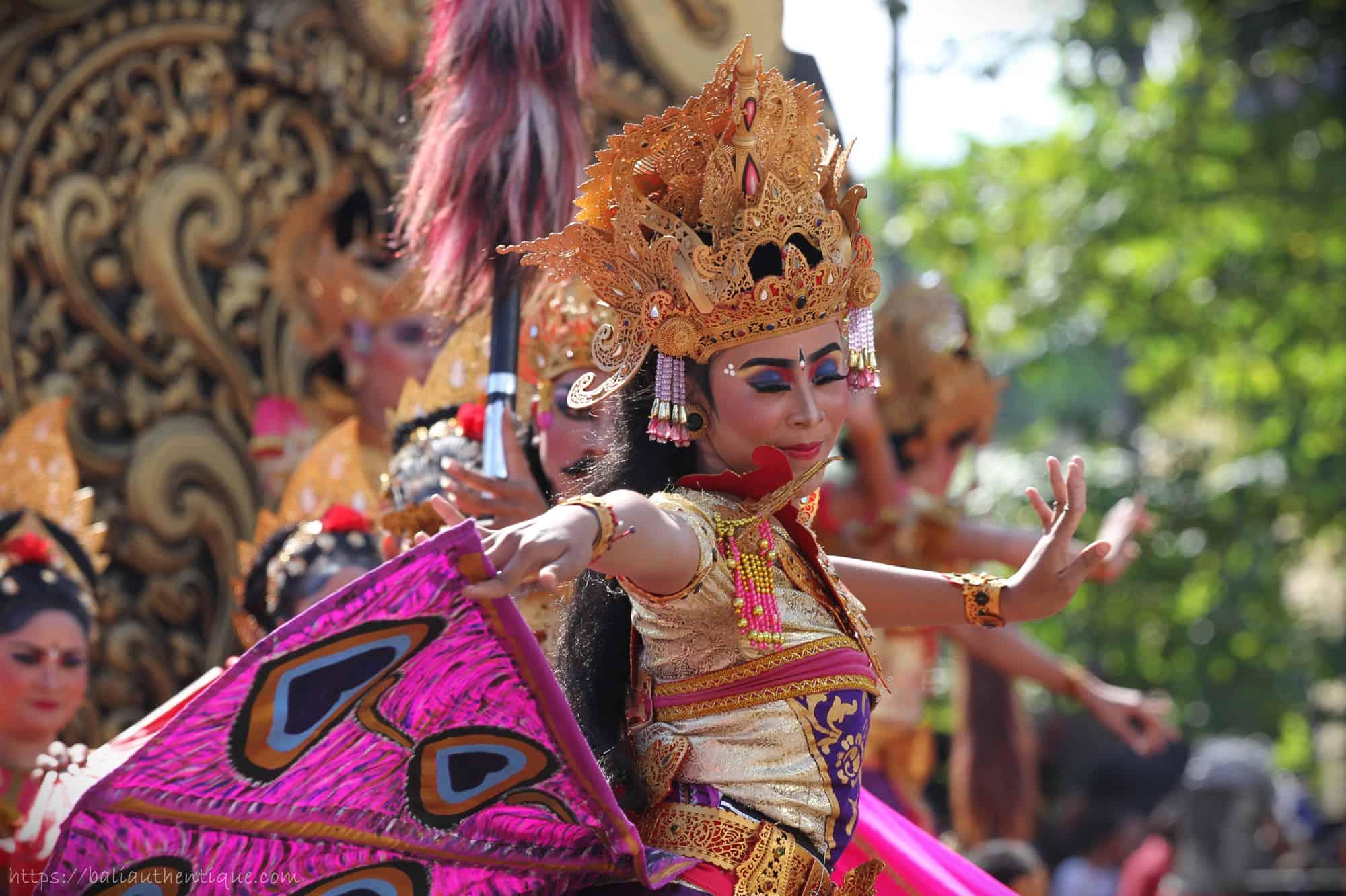danse traditionnelle Balinaise