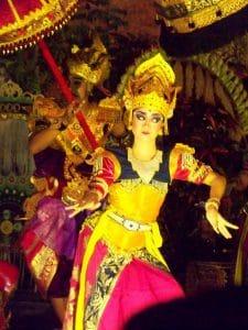 danse traditionnelle balinaise costumes balinais