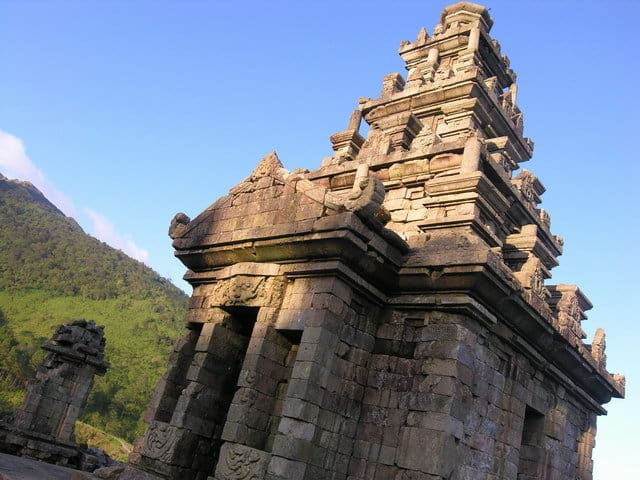 decouvrir gedong songo temples java