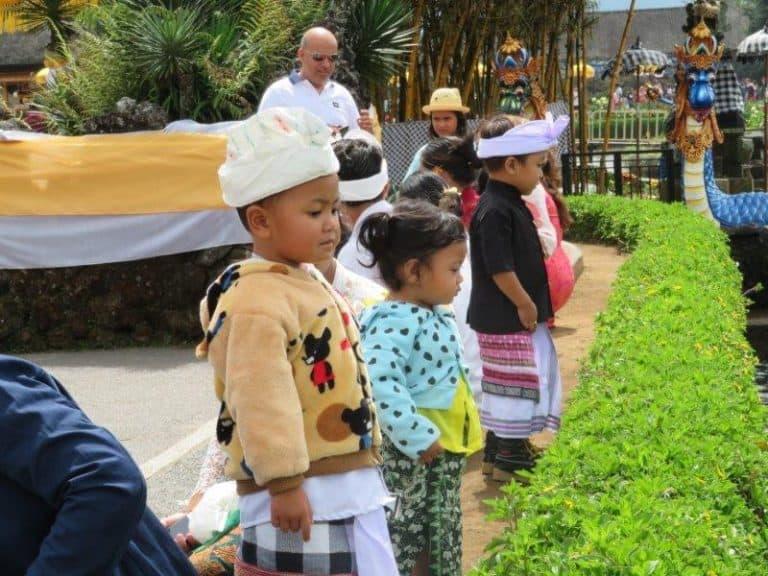 Enfants bali indonesie