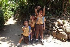 enfants indonésiens rencontre culture