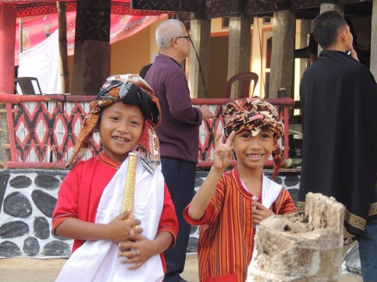 enfants d'indonésie rencontre inoubliable