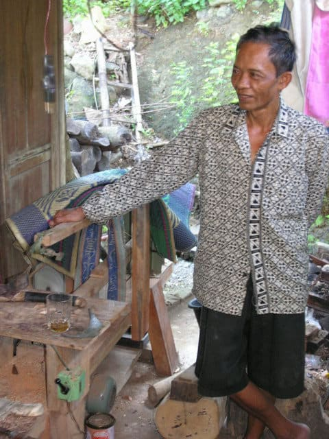 faiseur de kriss traditions indonesiennes