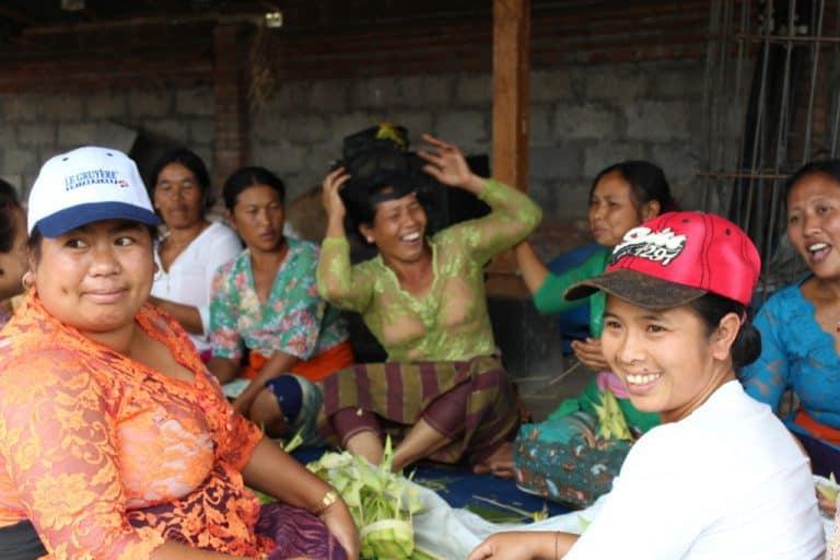 peuple balinais ile de bali indonésie