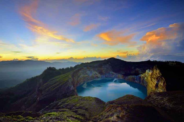 flores mont kelimutu volcan trek