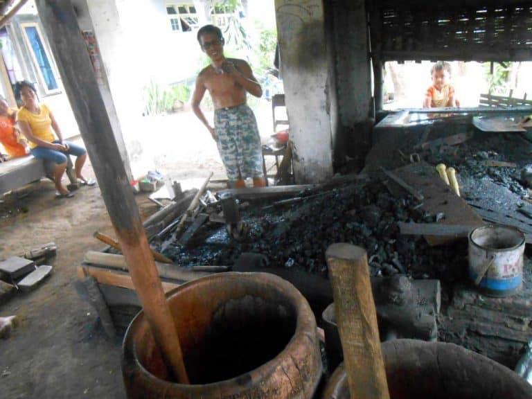 forgeron java pande besi artisant indonesien