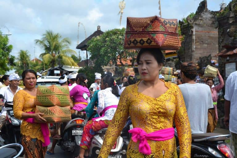 galungan bali ceremonie traditions