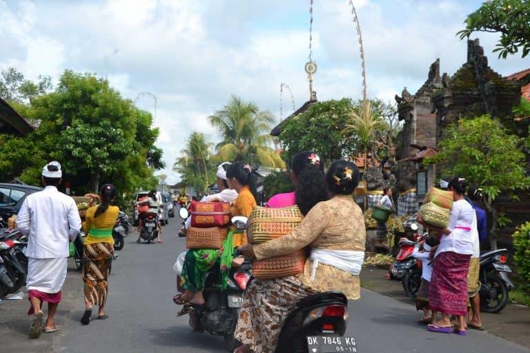 galungan bali festivité indonesie
