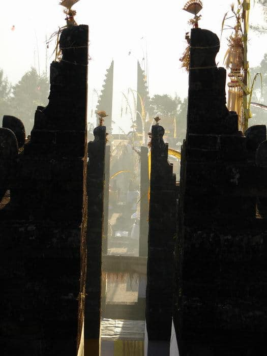 galungan ceto java centre entree temple