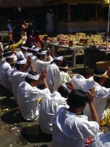 galungan fete traditionnelle bali ile des dieux