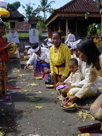 galungan fete traditionnelle bali indonesie
