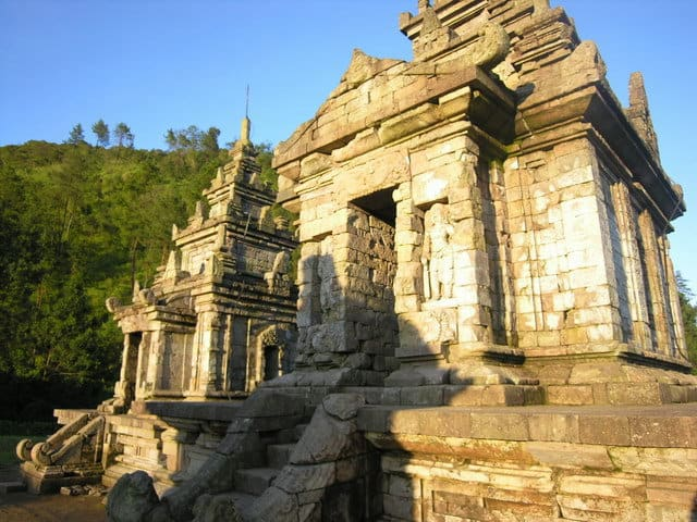 gedong songo temples java ile indonesie