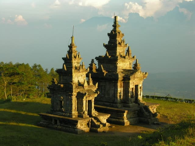 gedong songo temples java nature indonesie