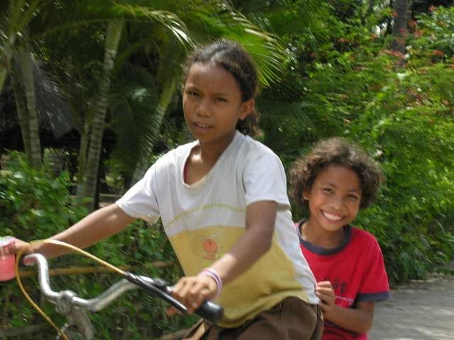 gili air ile lombok villageois vélo