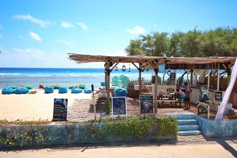 Gili Trawangan bar de plage voyage iles Gili Indonésie Lombok