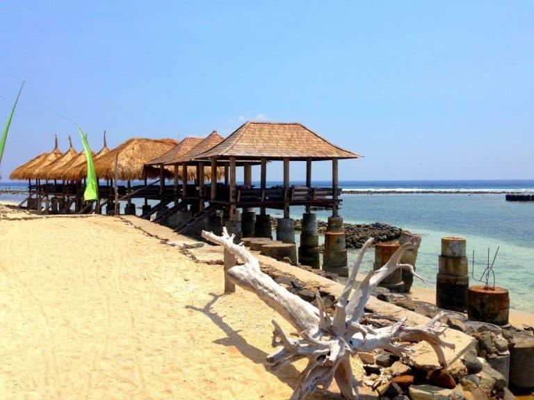 Gili Trawangan plage bungalow gazebo iles Gili Indonésie