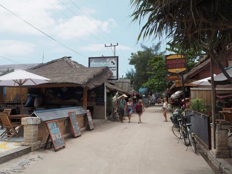 Gili Trawangan rues restaurant bar iles Gili Indonésie Lombok